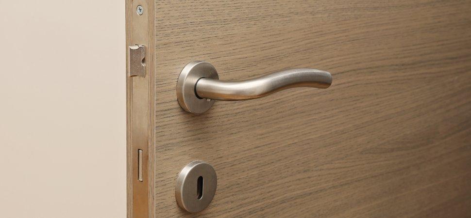 Powłoka lakiernicza drzwi